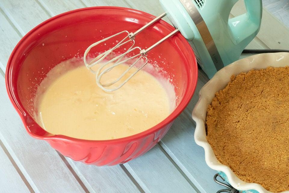 Creamy Lemon Icebox Pie