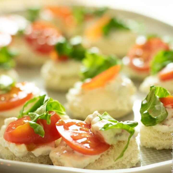a grey checkered plate of BLT bites