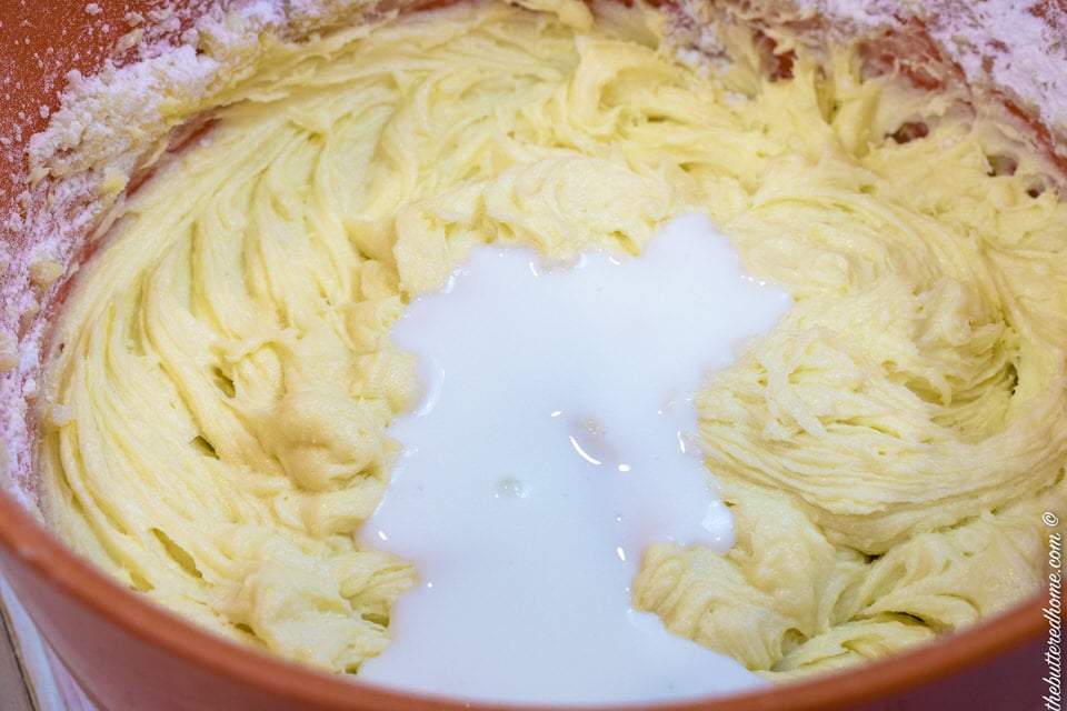 alternating buttermilk after dry ingredients
