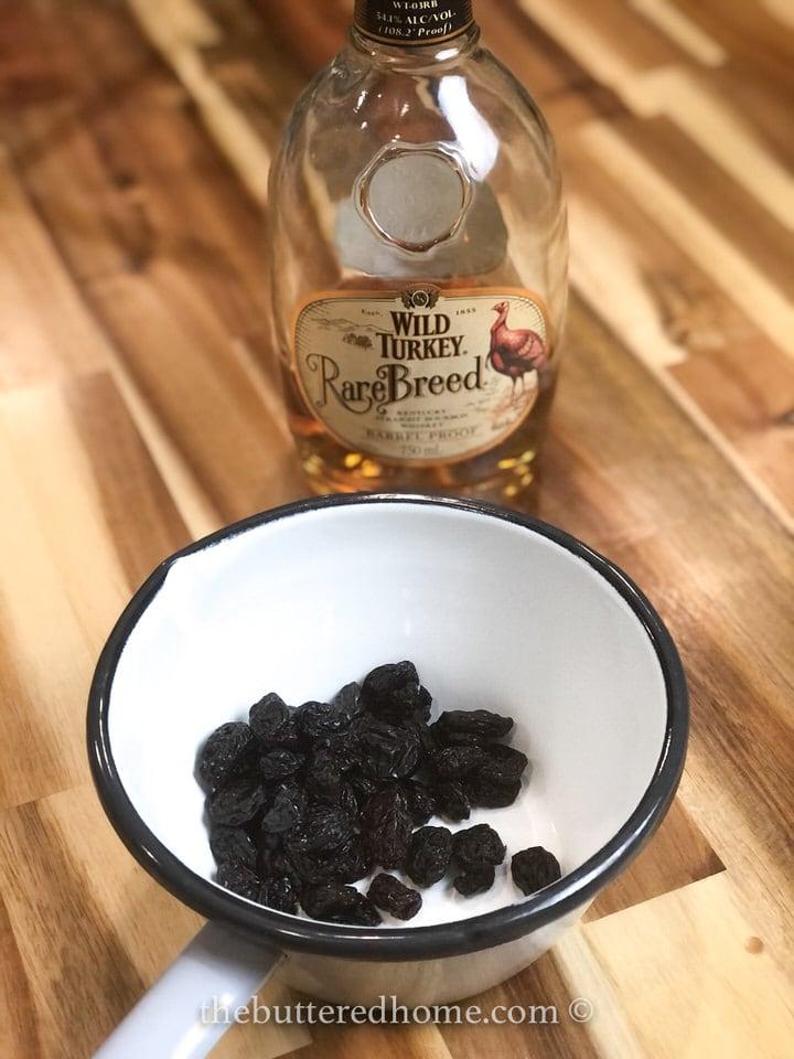 bourbon with raisins in a small boiler