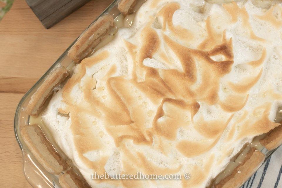 top view of meringue of banana pudding