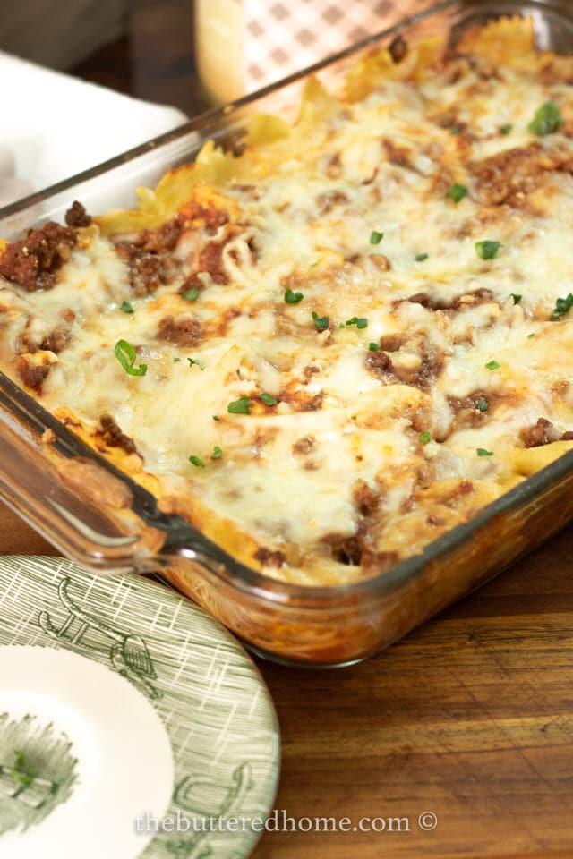 casserole dish of beef pasta bake
